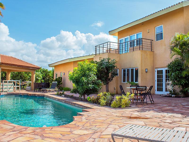 aruba lux private villa
